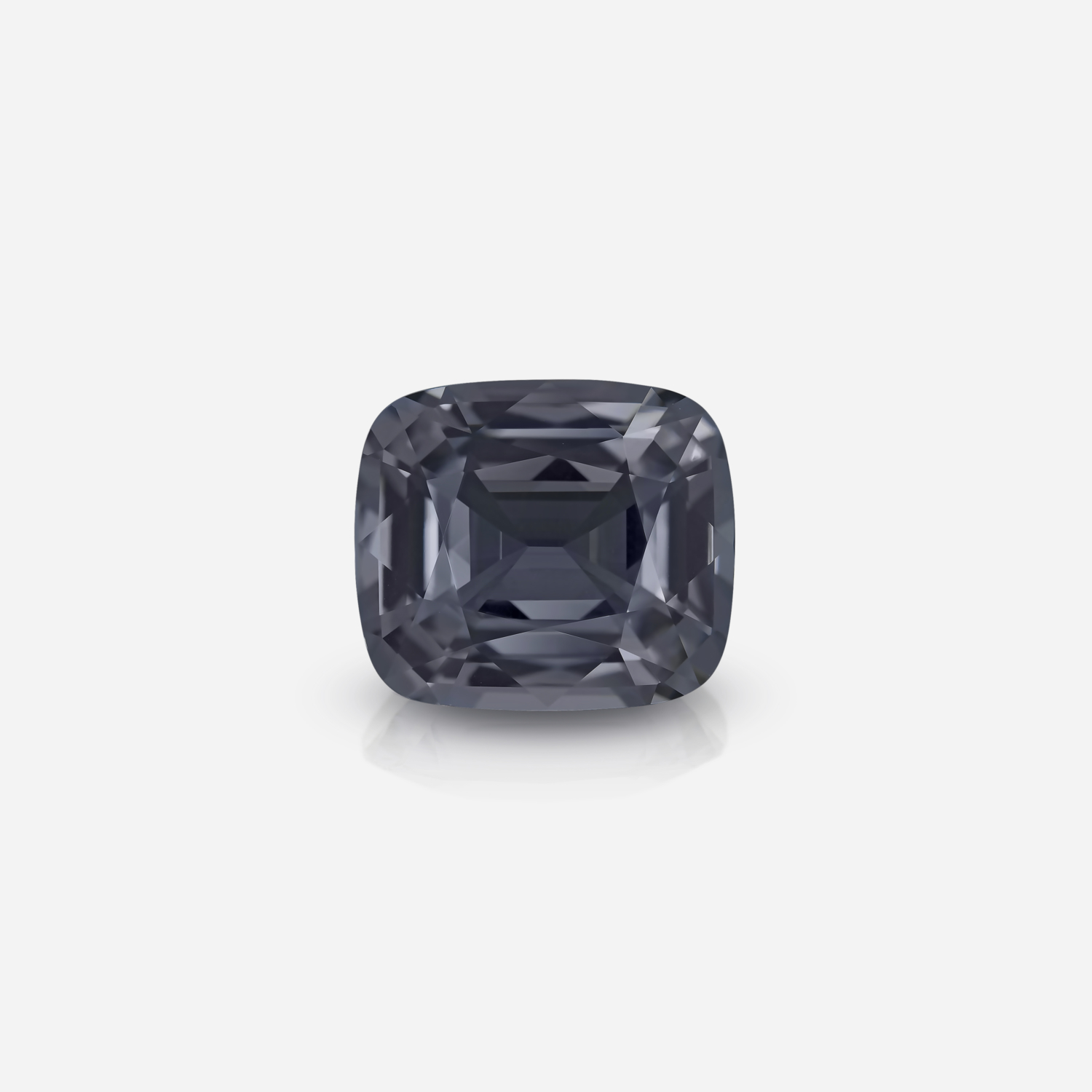 Silver Spinel 32 ct
